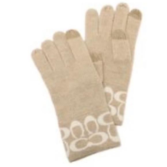 Coach Accessories - NEW Coach Logo Knit Tech Gloves